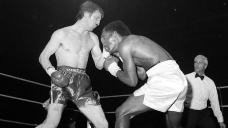 Photo of Boxing – 1983 – 15 Round Welterweight Title Fight – Colin Jones Vs Donald Curry – With Chris Schenkel