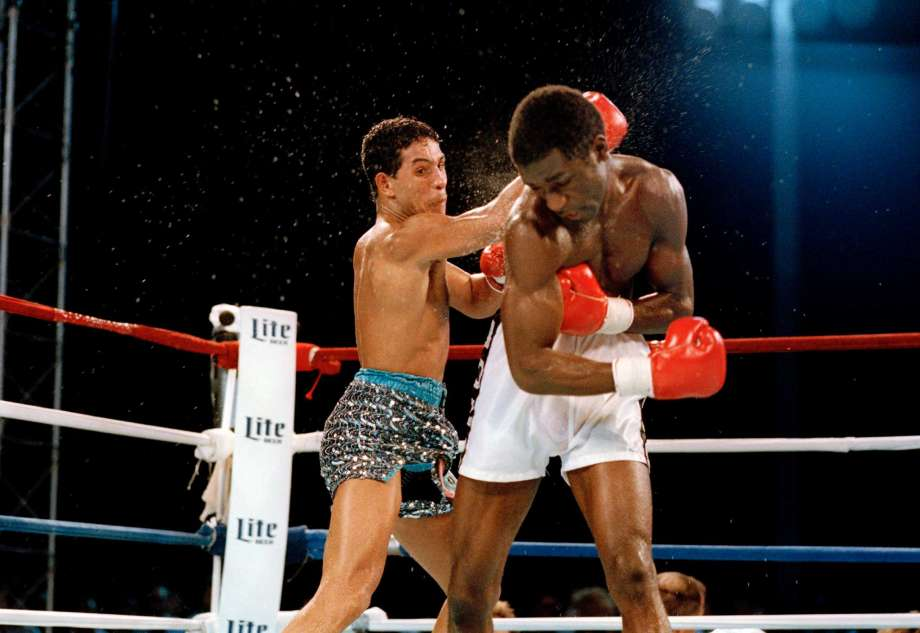 Photo of Boxing – 1986 – WBC Lightwt Title PreFight Introduction + Tale Of The Tape – Boza Edwards Vs Camacho