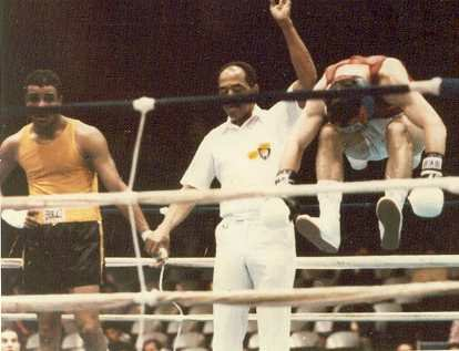 Photo of Boxing – 1985 – US National Amateur Championships – With CBSs Tim Ryan + Gil Clancy