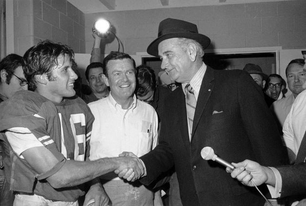 Photo of NCAAF – 1983 – Texas Vs TCU Halftime – HSE Bill Worrell Interviews Texas Defensive Coordinator Mike Campbell