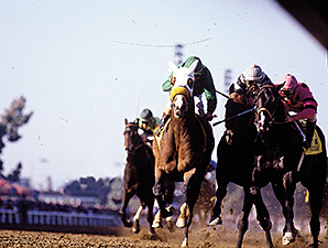 Photo of Horse Racing – 1984 – Bob Costas + Pete Axthelm Provide Prelude To The Breeders Cup Classic Race
