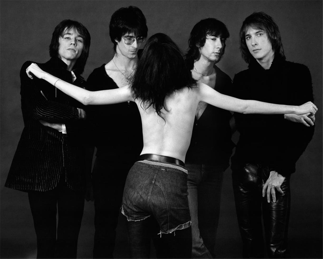 Photo of Music – 1979  – The Patti Smith Group –  G  L  O  R  I   A  GLORIA