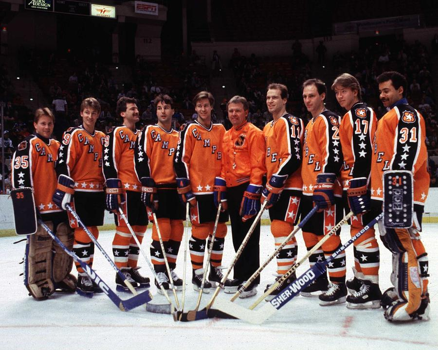 Photo of NHL – 1986 – 38th All Star Game Introduction Of Campbell Conference All Stars – With Jim Kelly