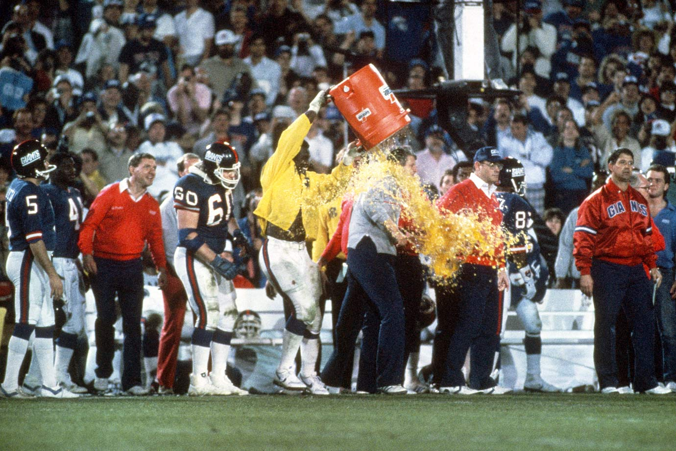 Photo of NFL – 1987 – Super Bowl XXI Special – Postgame Celebration After NY Giants Won Super Bowl XXI