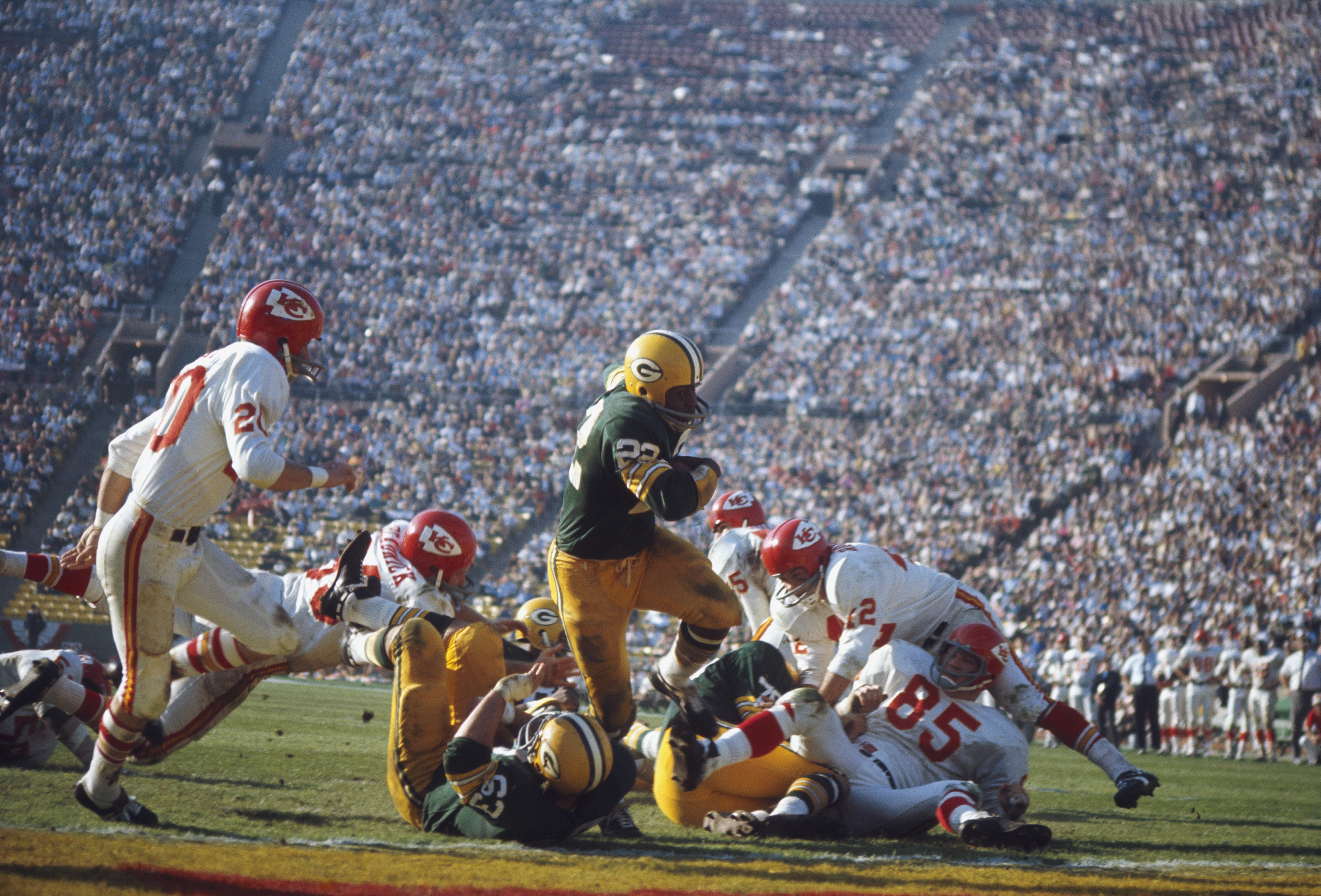 Photo of NFL – 1966 – Sportscaster Curt Gowdy Remembers Both NBC + CBS Cover Super Bowl I Chiefs Vs Packers