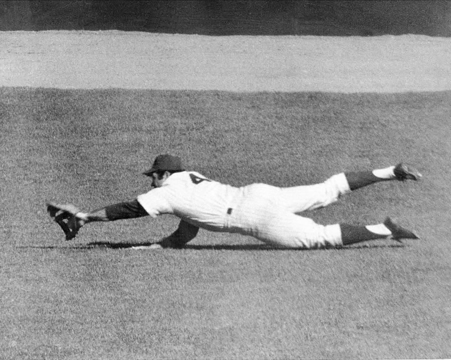 Photo of MLB – 1969 – World Series Memory – Mets OF Ron Swaboda Catch In Right Field Against The Orioles