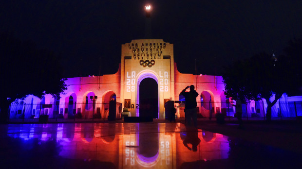 Photo of Olympics – 1984 – L A Games – Closing Ceremony – Dousing The Olympic Flame Set To Music + Jim Mckay