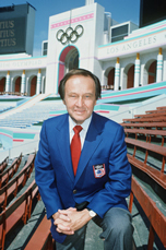 Photo of Olympics – 1984 – L A Games – ABCs Jim McKay + Peter Jennings Co-Host ABC's Closing Ceremony Program