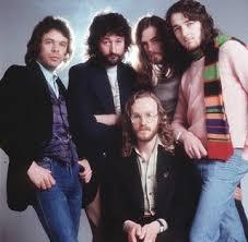 Photo of Music – 1982 – Roger Hodgson + Supertramp – Give A Little Bit