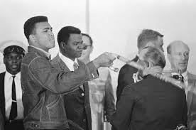Photo of Boxing – 1978 – Frank Gifford Interviews Muhammad Ali Regarding Larry Holmes Vs Ken Norton Outcome