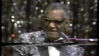 Photo of Music – 1982 – Ray Charles – Everything Is Going My Way – Sung Live At Constitutional Hall