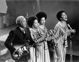 Photo of Music – 1978 – The Staple Singers – The Weight – Performed Live At The Band Last Waltz Concert