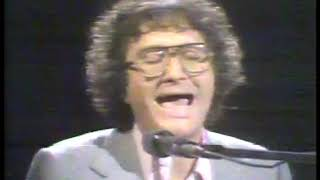 Photo of Music – 1978 – Randy Newman – Rider In The Rain – Performed Live On Stage In New York City