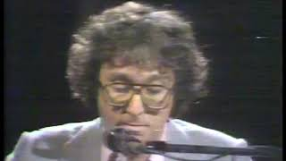 Photo of Music – 1978 – Randy Newman – Short People – Performed Live On Stage In New York City