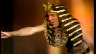Photo of Music – 1978 – Steve Martin – King Tut – Performed Live On Stage In New York City