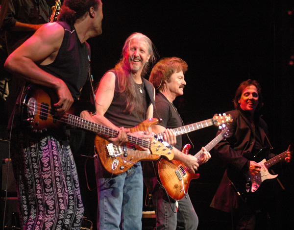 Photo of Music – 1983 – The Doobie Brothers – Rocking Down The Highway – Performed At Their Farewell Concert