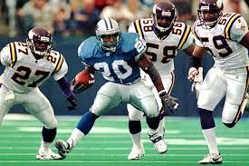Photo of NFL & NCAAF – 1985 To 1998 – College & NFL HOF Running Back Barry Sanders Videos