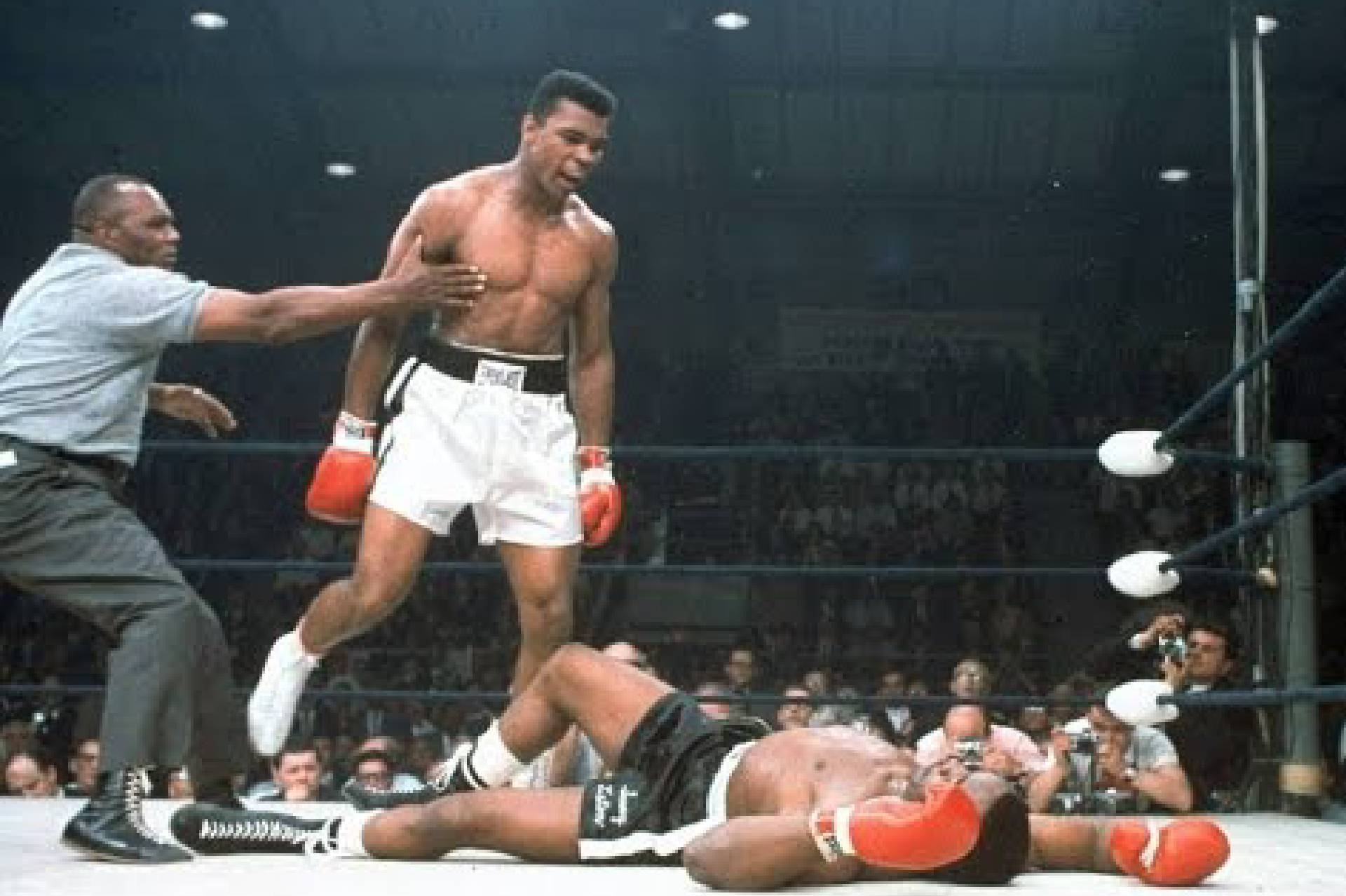 Photo of Boxing – 1963/1964 – Rare Cassius Clay / Muhammad Ali Videos Surrounding His 1st Heavyweight Title Fight With Champ Sonny Liston