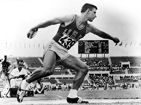 "Photo of L E's Stories – ""These Are The Olympics. You Die For Them"" – Tribute To Discus Thrower Extraordinaire Al Oerter"