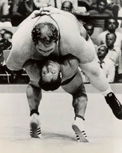 """Photo of L E's Stories – """"Iowa Wrestling Legend Wins 181 Matches Before 1st & Only Loss"""" – Tribute To The Legendary Dan Gable"""